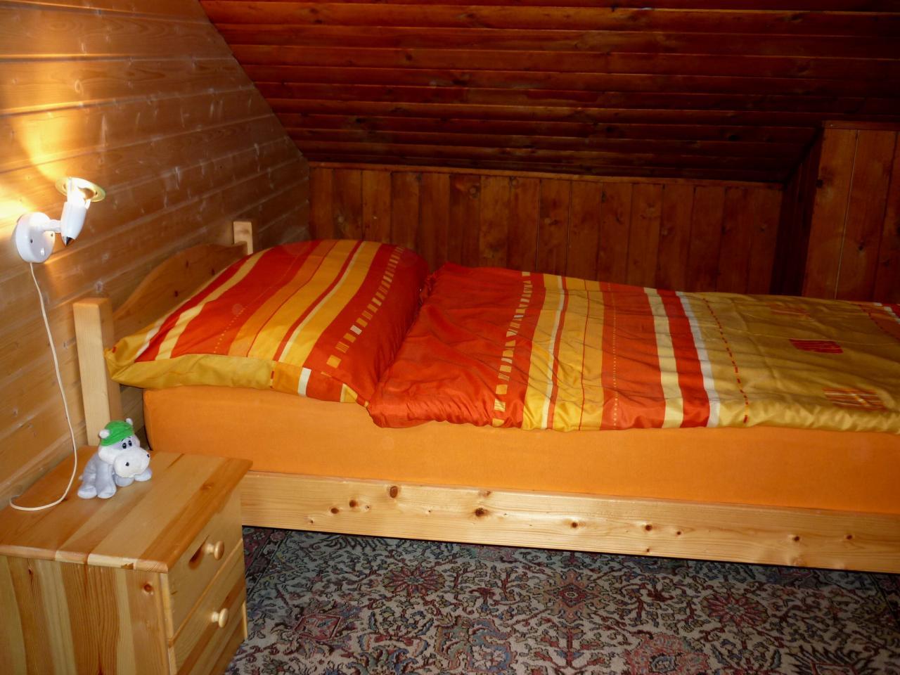 Chambre à coucher au 1er (lit seul)