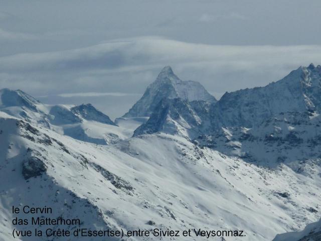 Mont Cervin / Matterhorn vue de la crète d'Esserts.