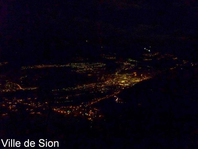 Stadt Sitten by Nacht